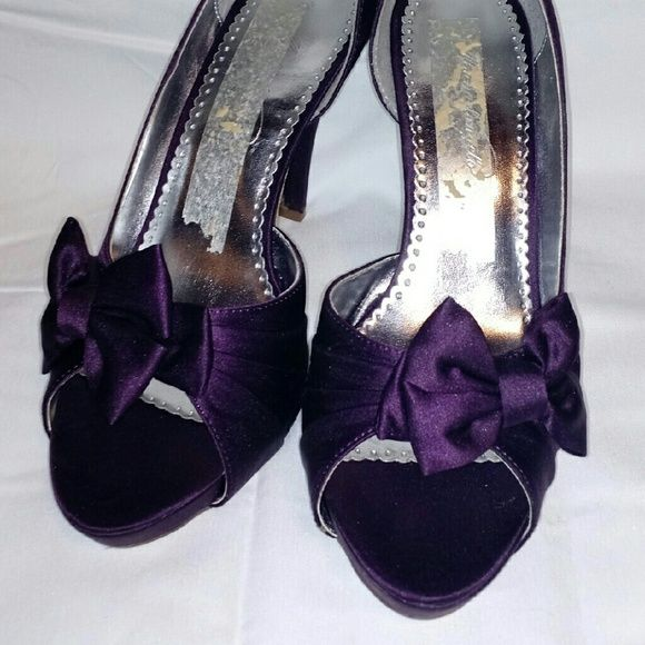 plum heels size 85 from davids bridal i was in a wedding and only wore
