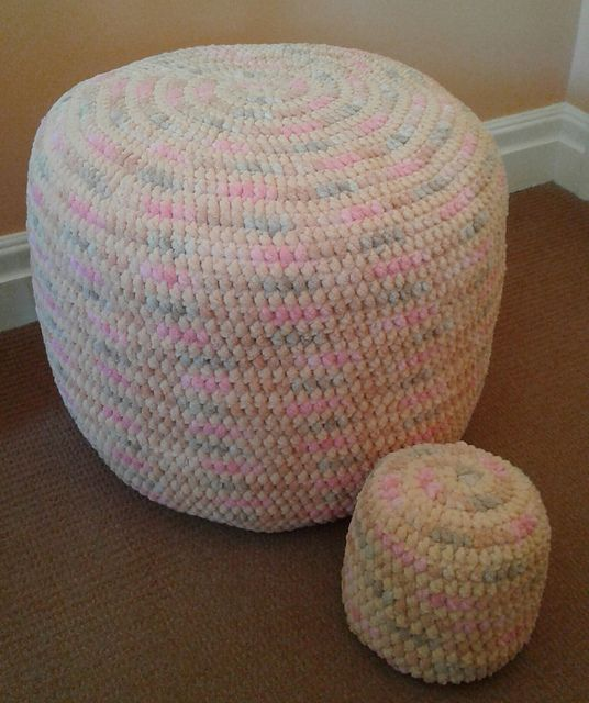 Ravelry: spinningdebs' Footstool and doorstop