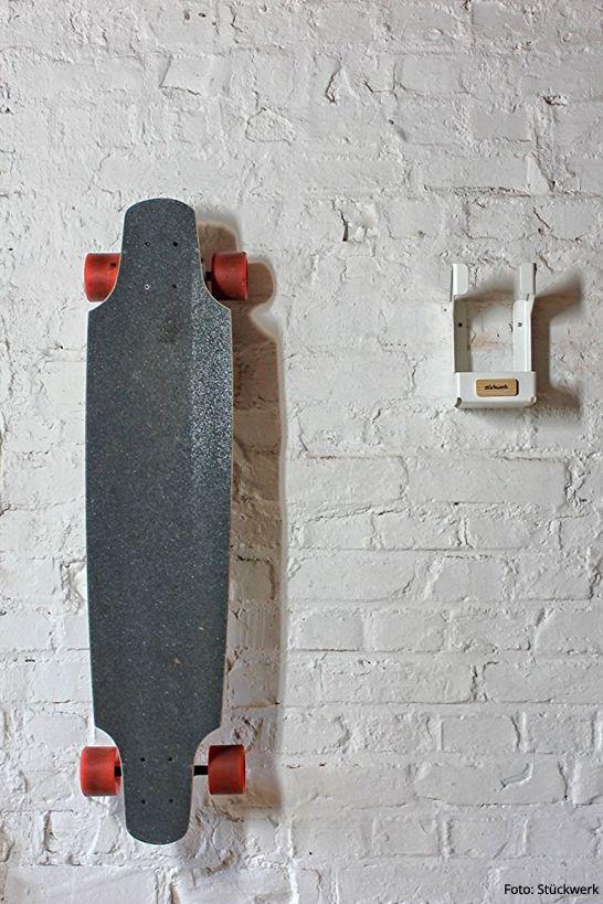 Mit Skateboardhalter PARKER Von Stückwerk Aus Bönen Parken Wir Unser  Skateboard Einfach Stylisch An Der Wand