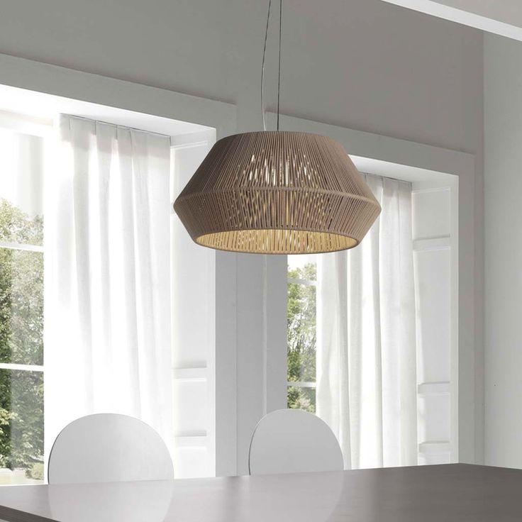 Lámpara de techo colgante Clavelina 53, con una original pantalla de cuerda. Es una lámpara de techo para dar personalidad al comedor.