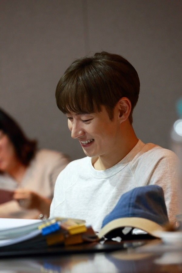 Sin Min-ah and Lee Je-hoon show off perfect chemistry at 'Tomorrow With You' script reading