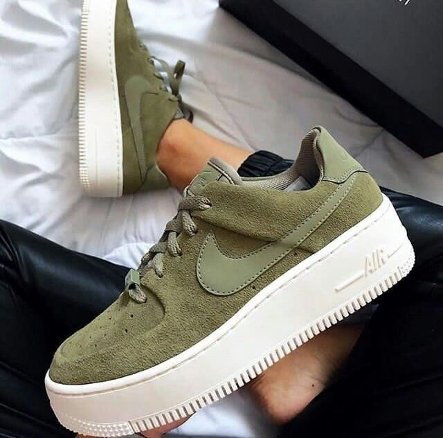 Pin By Maddie Burkey On Cnickѕ Ii Kickѕ With Images Perfect Sneakers Sneakers Nike Fashion