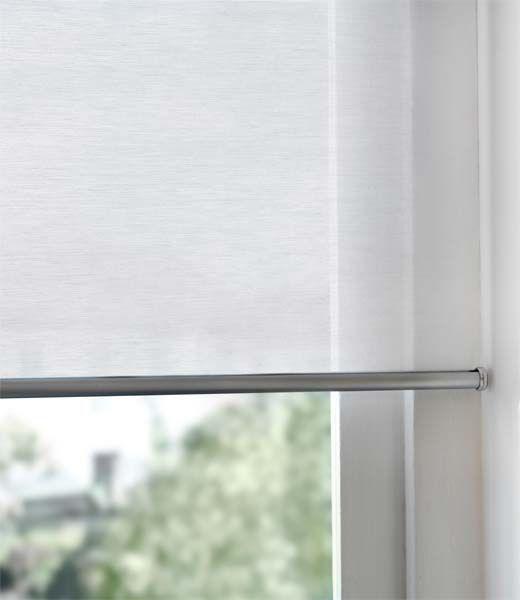 Rolgordijn Ikea. Rekening houden met maten ramen. Zodat ze er precies tussen passen, zowel boven als beneden.