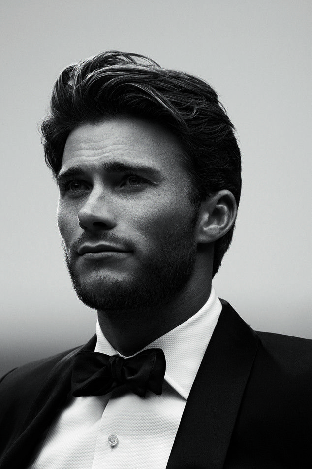 Scott Eastwood looks super dapper (and super hot!)