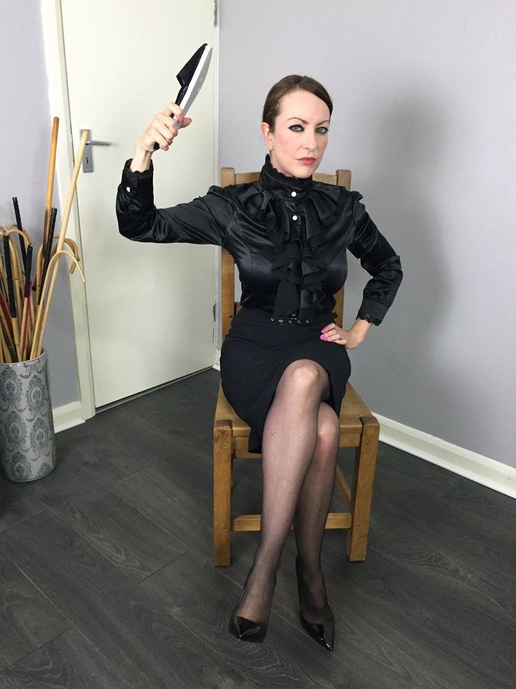 6:25 7:22.....stupenda leather skirt spanked video dip