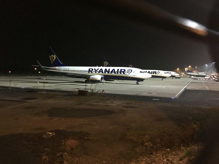 Ryanair jets 737's x4