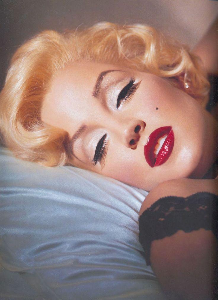 The Bombshell: Kevyn Aucoin transfers Lisa Marie Presley as Marilyn Monroe