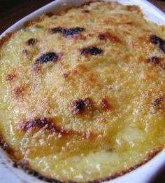 Ricette Invernali: Polenta in Crosta ai Formaggi! Semplicissima da preparare, golosamente filante, un piatto da leccarsi i baffi! Con Emmental, Grana e Fontina.