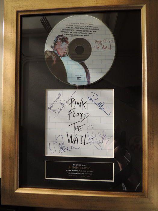 Pink Floyd - The Wall - (afdrukken) ondertekend handtekening Cd Cover - door de Band-  Pink Floyd Beautifull Pre afgedrukt Autograph Cd Cover - de muur-Geproduceerd halveren van de 20e eeuwPink Floyd was een Engelse Rockband die werd beroemd in de jaren 1960 en 1970 de uitgevoerde over meer dan 30 jaar en meer dan 200 miljoen albums verkocht.De muur is het elfde studioalbum van Pink Floyd uitgebracht als een dubbelalbum 1979 het album beschouwd als een van de meest bekende albums van het…