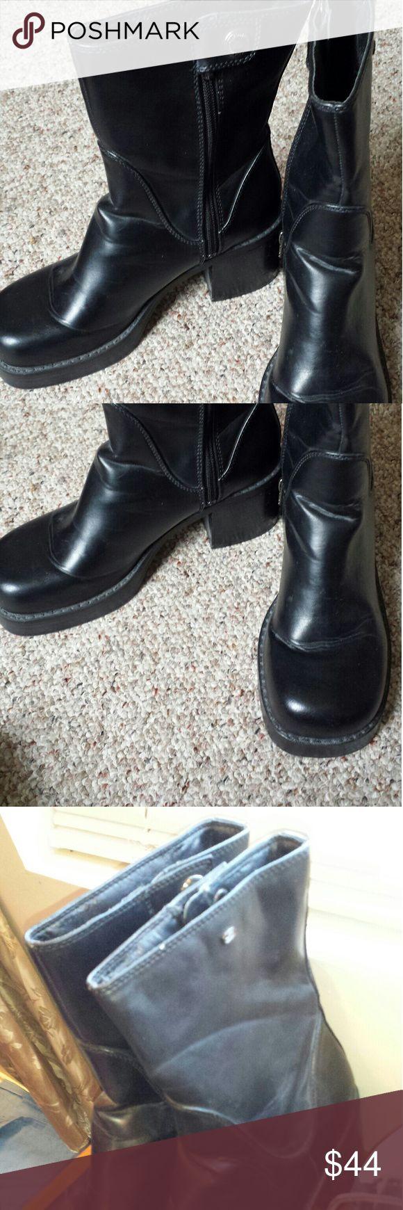 Skechers chunky heel boot. Black sketcher boots. Side zip up. Worn 3 times. Has chunky heel. Comfortable feel Skechers Shoes Heeled Boots