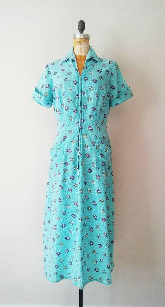 09584ff581 1940s Turquoise Seersucker Floral Zipped Dressing Gown