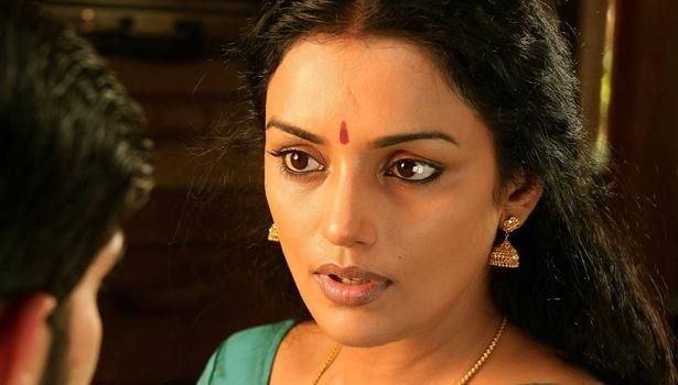 Actress Shweta Menon claims she was 'insulted' at Kollam event