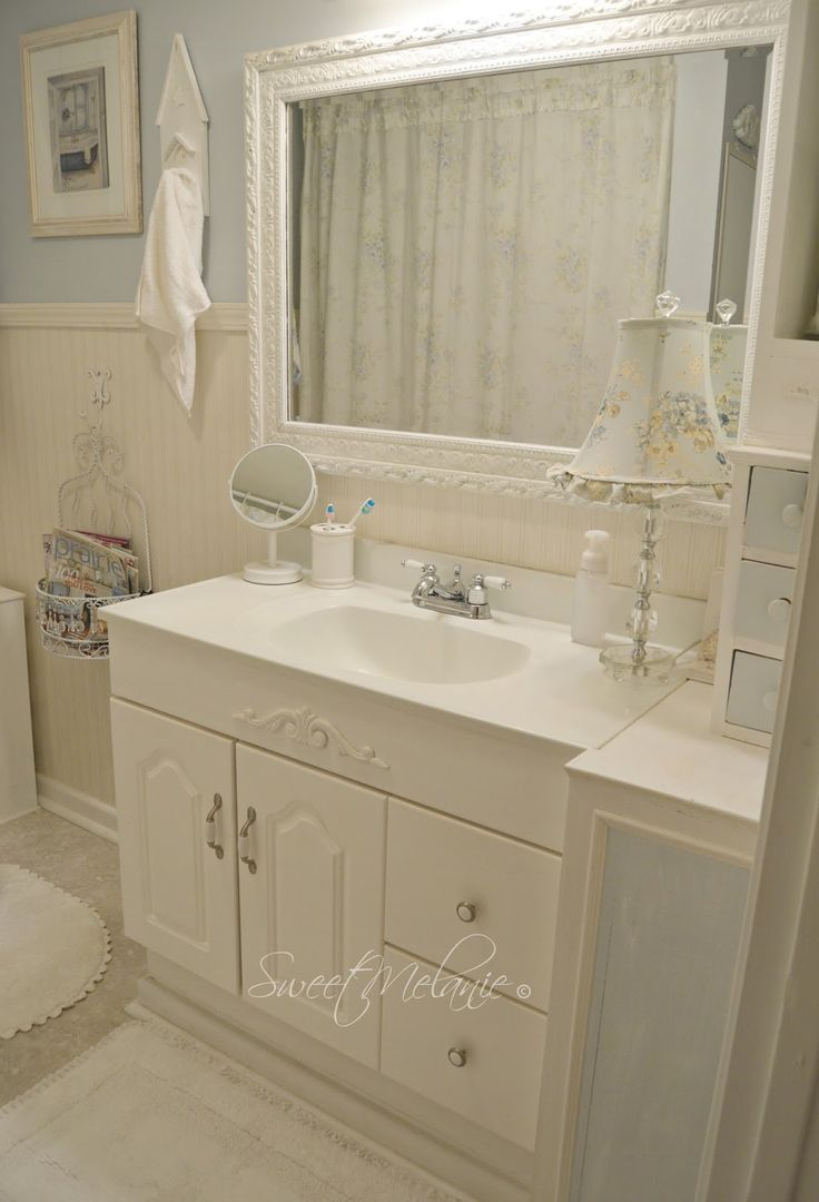 1000 ideas about shabby chic vanity on pinterest for Vintage bathroom ideas pinterest