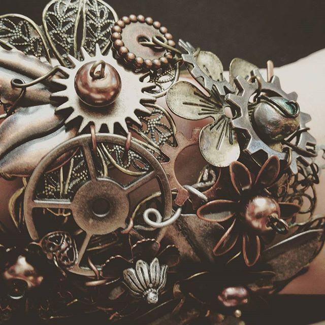 It's the biggest, baddest cuff bracelet I ever did make. (And lightweight!)  Papercranest.com    #steampunkstyle #steampunk #style #handmade #handmadejewelry #jewelry #love #cuff #bracelet #armcandy #brass #bronze #gears #art #awesome #industrial #flint #michigan #clocks  #handmadeisbetter #makersgonnamake #creativelife #creative  #makersmovement #craftsposure #creativityfound #smallbiz #1618multimedia