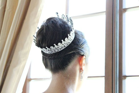The PORTIA Crown © VICTORIAN SWAROVSKI CRYSTAL FULL BRIDAL CROWN ©  This bridal crown is absolutely INCREDIBLE in person. Its 360 degrees of extreme glamour - Royalty Style! Its extremely luxurious looking and beautifully accents virtually any wedding hairstyle. The sparkle factor is AMAZING!!!! The pictures definitely dont do it justice! An instant heirloom piece with classic romantic style and elegance... fit for a Princess! A truly GASP-WORTHY piece! ©  There are 4 loops inside the band…