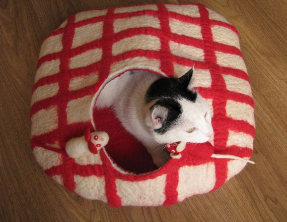 Checkered bed with 2 mouses cat bed cat house cat by GDFactoryPL