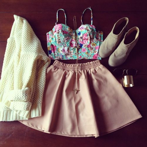 Cute Summer Outfits Tumblr with bustier tops | cute summer outfit | via Tumblr