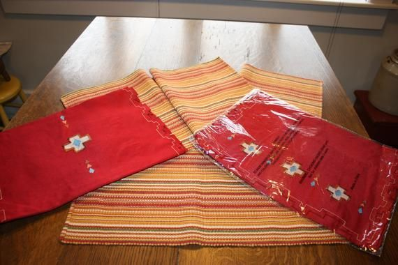 Mexican Night Placemats And Runner Red Yellow Green 4 Placemats Two Table Runners Cinco De Mayo Placemats Mexican Night Red Yellow