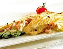 Tong in boter gebakken, met witlof en een mousseline van grijze garnalen en witbier - Recepten - Culinair - KnackWeekend.be