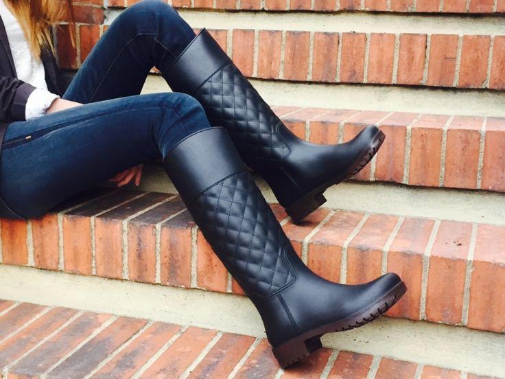 Hermosas botas para la lluvia de venta en bogota encuéntranos en Instagram como @holidays_boots