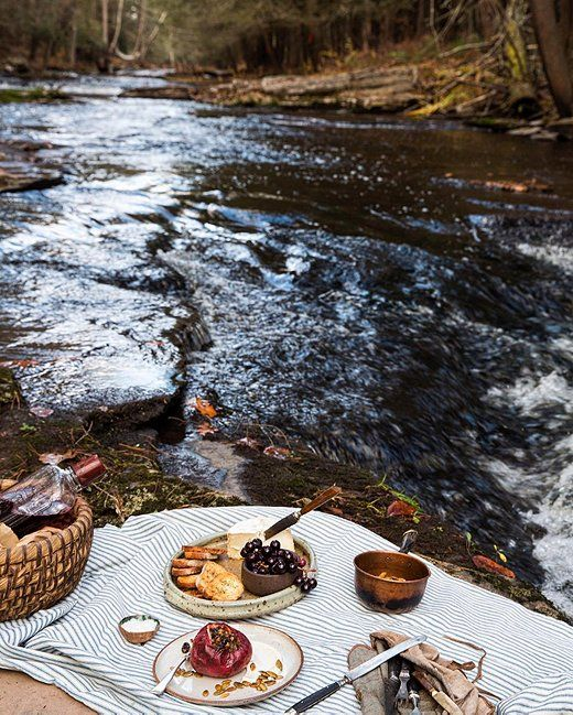 A picnic by the river sounds like a perfect summer Sunday to us!