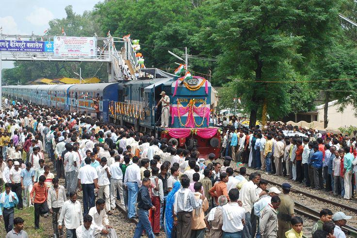 Shri Kamal Nath at inauguration of Chhindwara - Delhi Train in Chhindwara  #Delhi #Chhindwara #Kamalnath #Politics #Railways #Inauguration #Celebrations