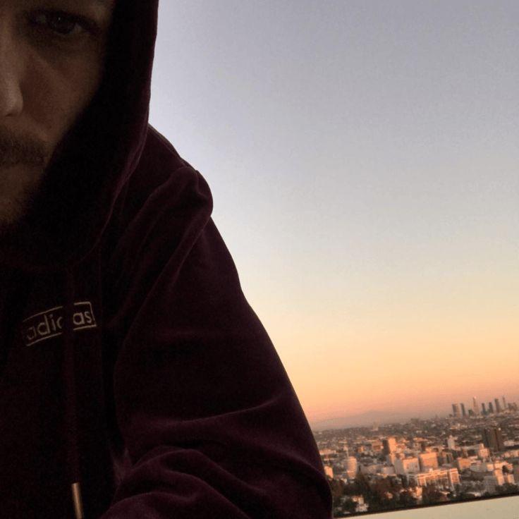 | ONE DIRECTIN LOUIS TOMLINSON POSTS EMOTIONAL SELFIE! | http://www.boybands.co.uk