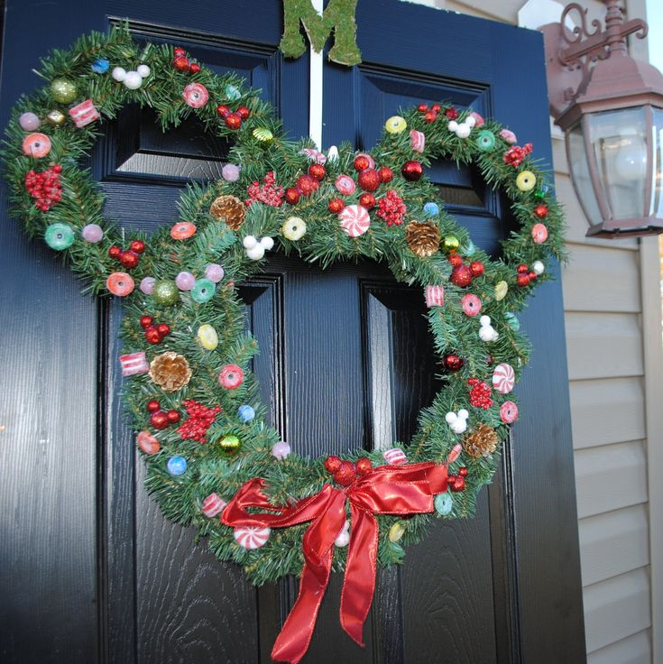 Mickey Mouse Christmas Wreath -- perfect for our next Christmas at WDW!!
