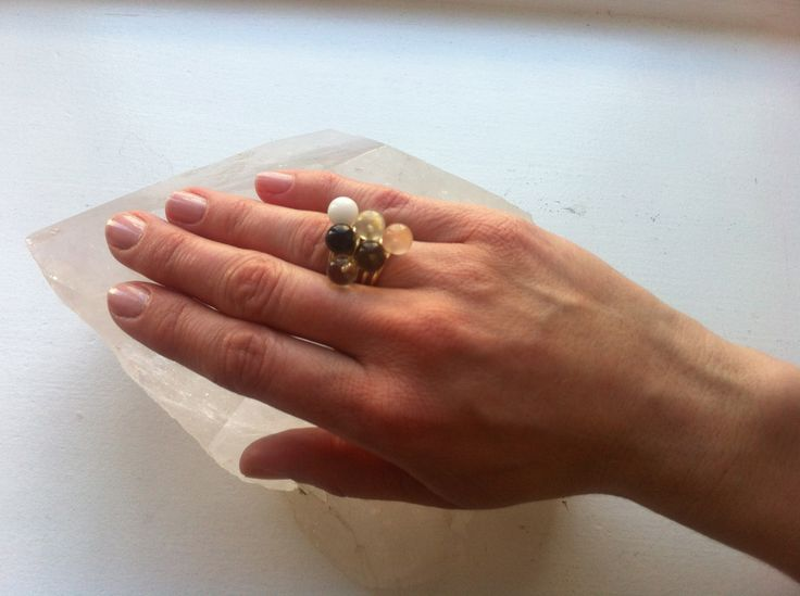 All in one. 5 Big Drop rings on one finger Snow Quartz, Black Turmaline, Rock Crystal, Prehnite, Rosen Quartz and Honey Quartz