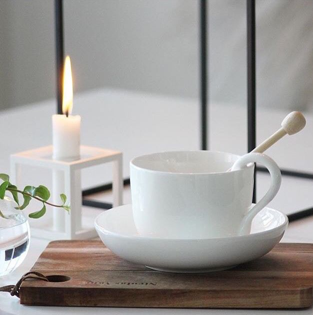Evening tea and the Kubus 1 candleholder in this image by @nataliameira08. @kubus_bylassen #bylassen #bylassenkubus #kubus #mogenslassen #danishdesign #nordicdesign #scandinaviandesign #madeindenmark