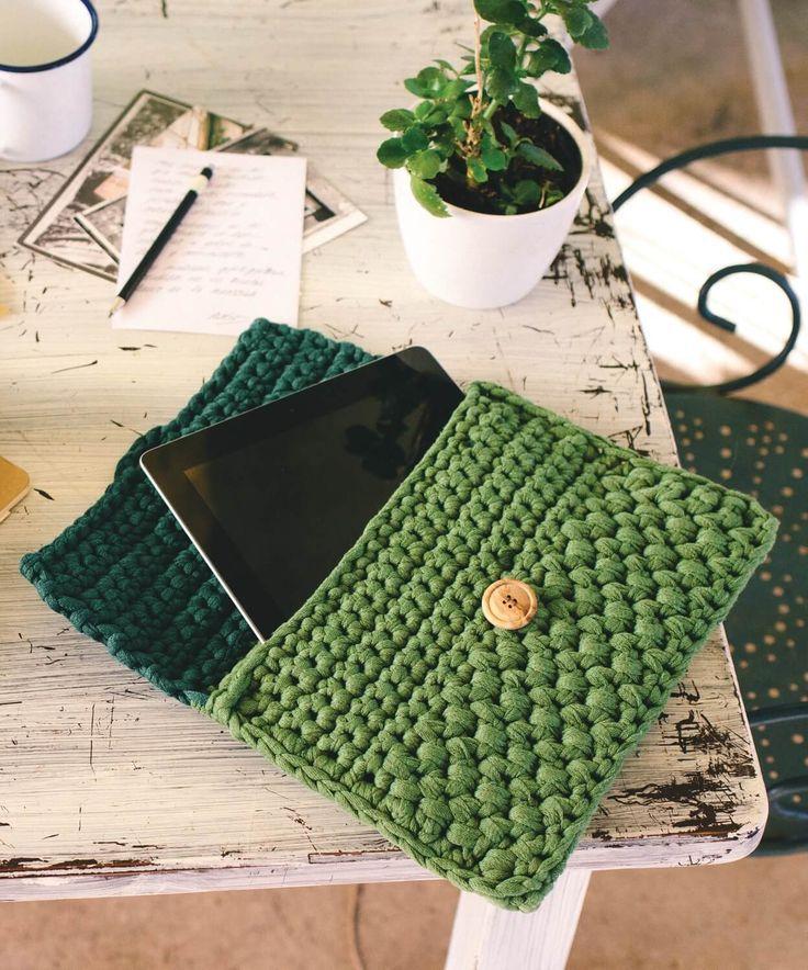 Crocheted tablet bag