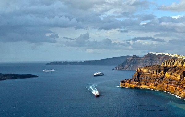 Ferries to Santorini. Arriving in the Santorini caldera.