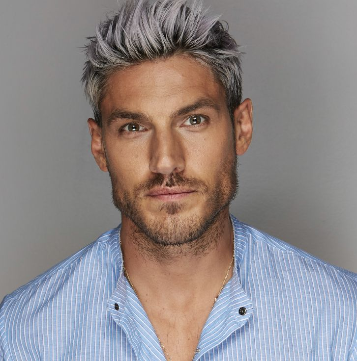 Celebrity Hairstylist Chris Appleton S 4 Hair Style Ideas To Amp Up Your Look This Season Chrisappletonhair Grey Hair Men Men Hair Color Dyed Hair Men
