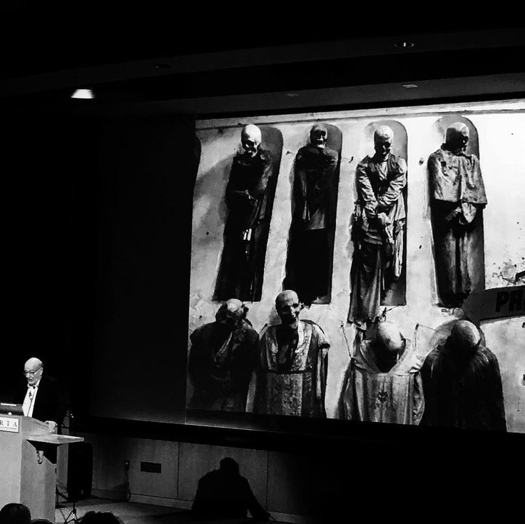"Colin Renfrew on ""the archaeology of immortality in the ancient world"" in the ""Awareness of death and personal mortality"" #symposium -- captured in #blacknwhite #bnw #blackandwhite with #iphone6s #iphonephotography"