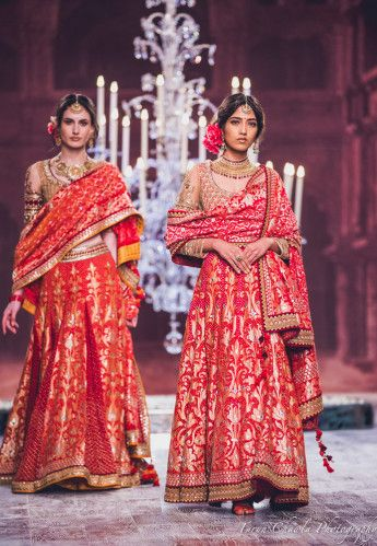 These Are The Most Unique Dupatta Drapes We Have Ever Seen On Brides !
