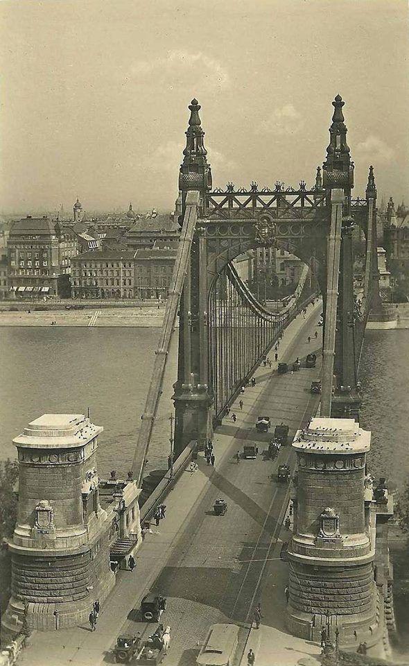 Az Erzsébet híd a harmincas években. A képet fölrakta: Héder Imre