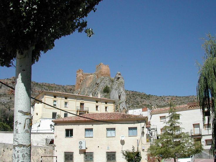 ...En los últimos siglos perteneció al patrimonio de los marqueses de Almenara.