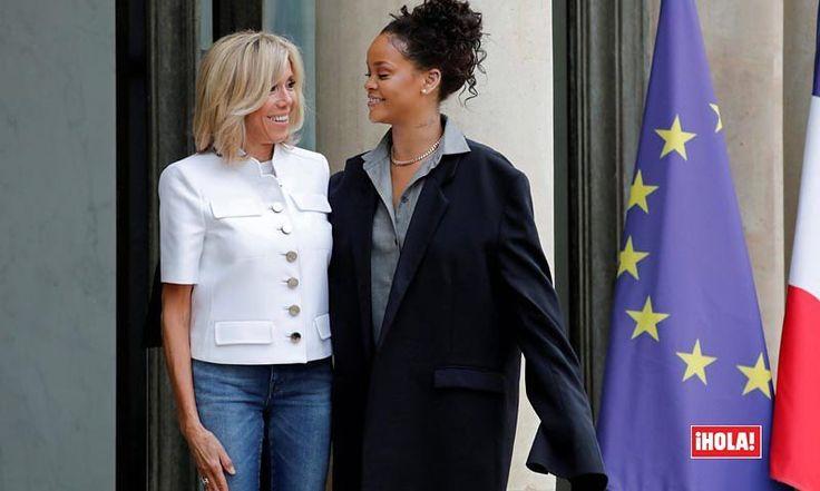 La Primera Dama de Francia, Brigitte Macron, y la cantante @badgalriri tuvieron un encuentro en el Elíseo. La cantante aprovechó para hablar sobre las iniciativas del Fondo Internacional de Educación y de su ONG, Clara Lionel Foundation con el presidente Emmanuel Macron. ¿Lo que también sorprendió de este encuentro? Las dos formas de entender la moda francesa de ambas mujeres. Brigitte con un 'look' casual con chaqueta de @louisvuitton y Rihanna con un 'look' vanguardia de chaqueta XL de…