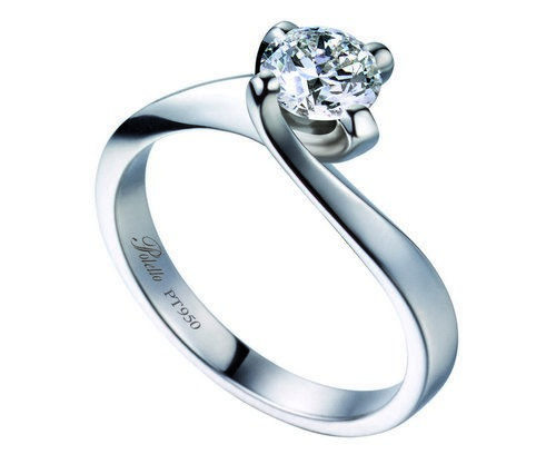 Polello e Francorosso: estrazione 10 solitari in platino con diamanti