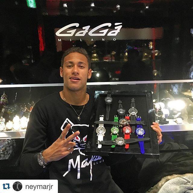#Repost @ Neymar @neymarjr ・・・ Arigatô  Thanks #GagaMilano