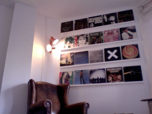 instructable - how to hang up records