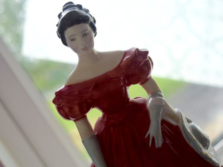 "Royal Doulton's ""Winsome"" Porcelain figurine 8"" HN 2220 c1960, anniversary, housewarming, wedding, collectors, Peggy Davies designer by BitsnBobsnKeepsakes on Etsy"