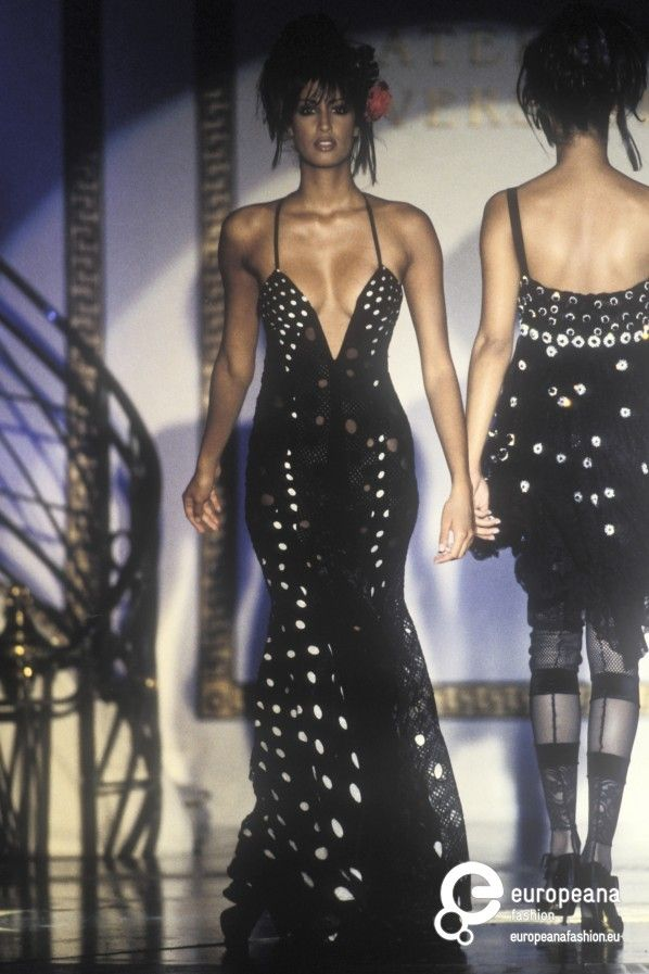 Gianni Versace Autumn Winter 1993 Couture Yasmeen
