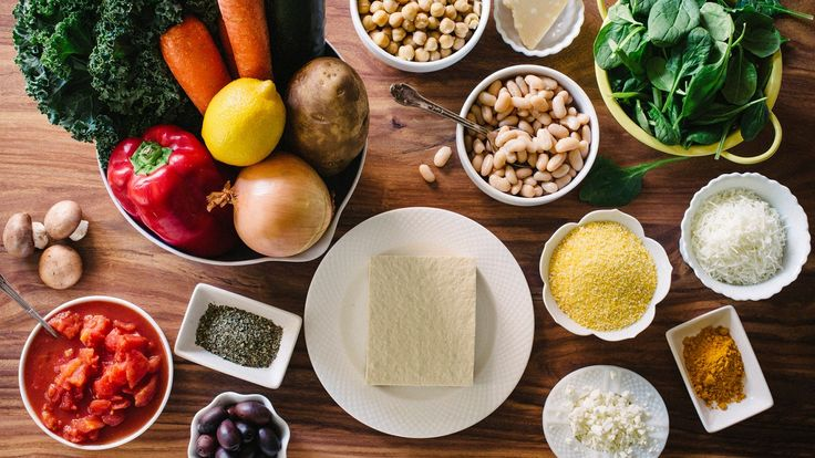 What you eat can sometimes help manage the symptoms and complications of multiple sclerosis.