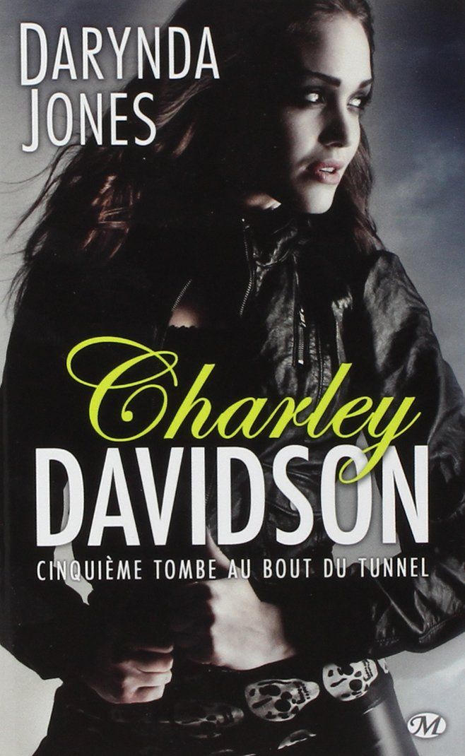 "The Small World of Belly: Lecture 7/200 ""Charley Davidson, tome 5 - Cinquièm..."