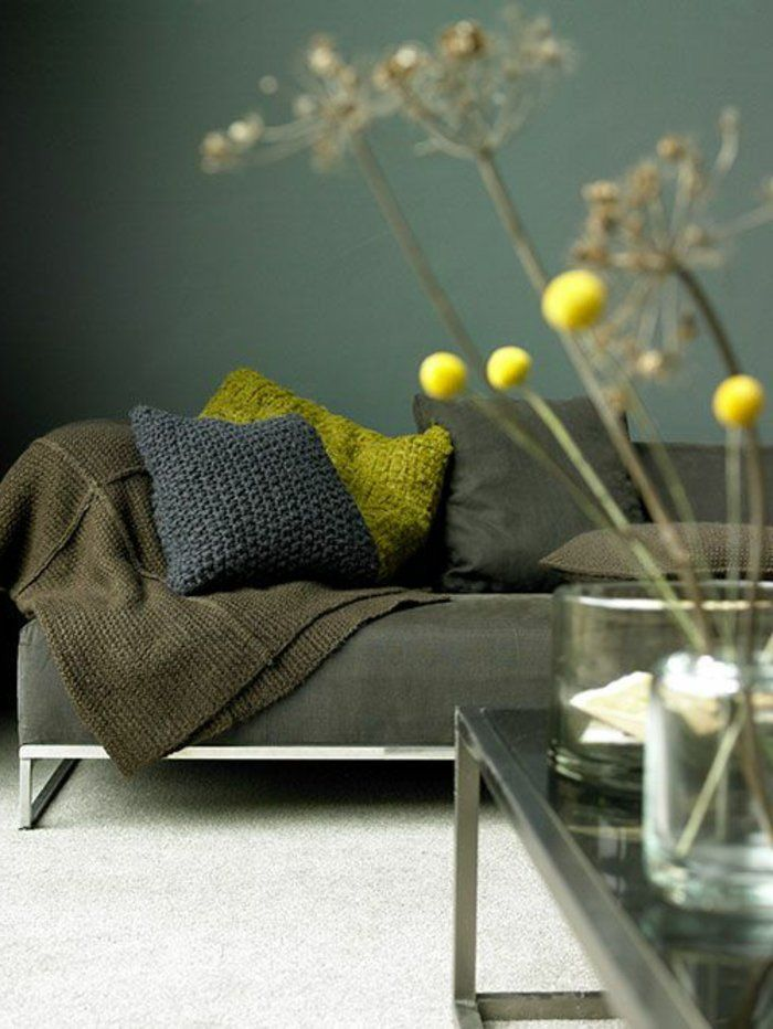 Les 25 meilleures id es concernant tapis fonc sur for Quelle couleur va avec le vert