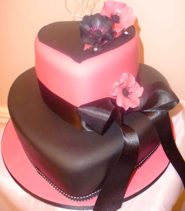 Cake Designs Hearts : 25+ best ideas about Black heart shaped wedding cakes on ...