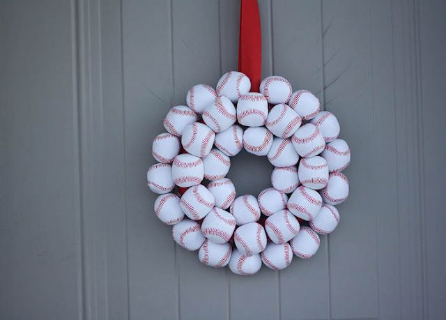 Then add your favorite team Logo and perhaps the team's color in a bow and viola!Ideas, Baseball Parties, Baseball Wreaths, Basebal Wreaths, Baseball Seasons, Basebal Seasons, Diy, Summer Wreath, Crafts