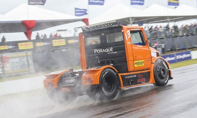 GP Siñeriz 2017: Wellington Cirino larga na frente em Rivera