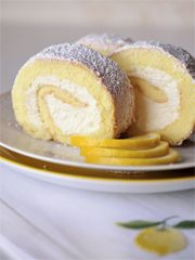 Rezept aus Heimwehküche Backen: Zitronen-Biskuitrolle